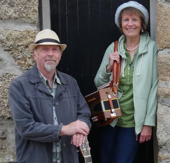 Tir ha Tavas (Delia & Dave Brotherton) with Merv Davey at St Ives Guildhall