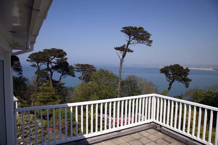 2 Birdsong Balcony Amongst The Trees