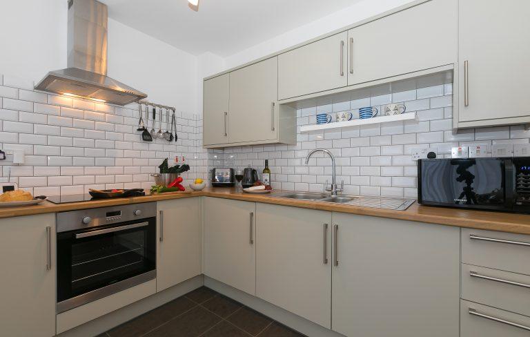 21 Carthew Court Kitchen