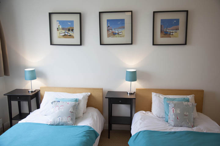 5 Birdsong St Ives Twin Bed Room With Sea Views
