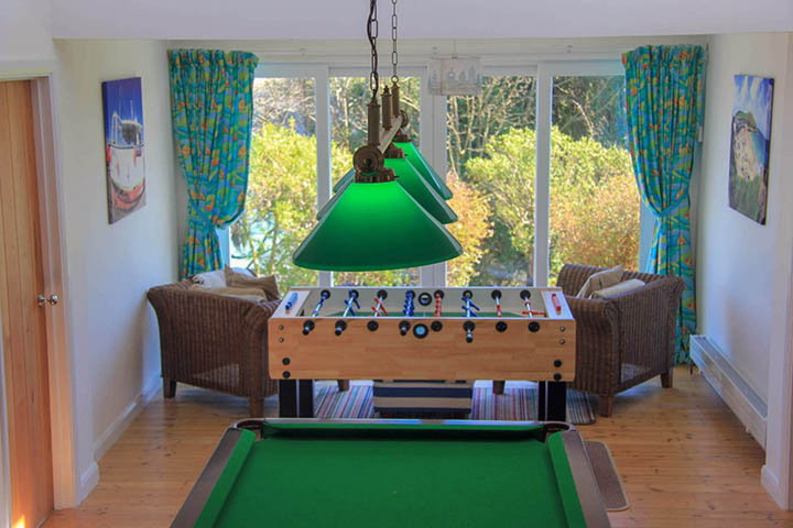 6 Birdsong Games Room Snooker And Table Football