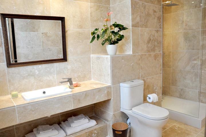 Gwaynten Bathroom