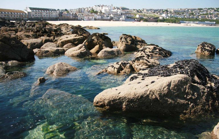 St Ives Holidays Searock