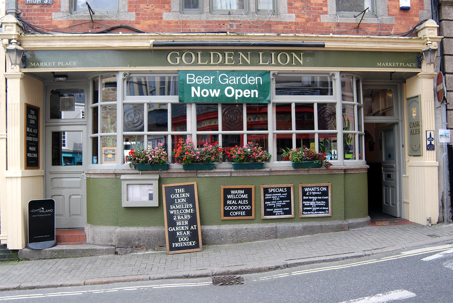 The Golden Lion Copy